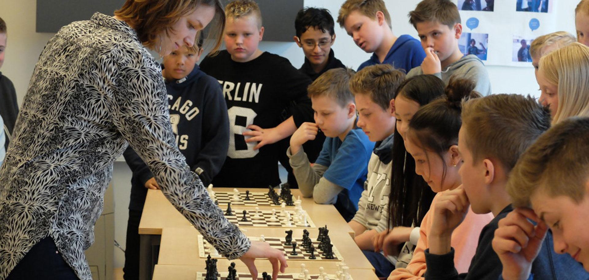 Sjakk til din skole?